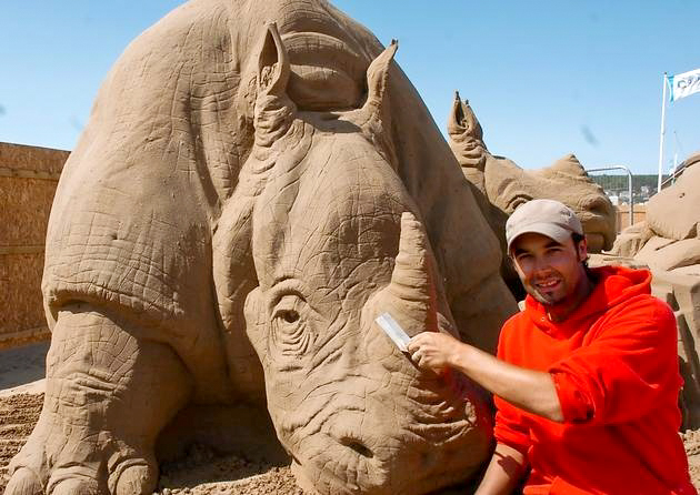Joris Kivits Rhino Sculpture